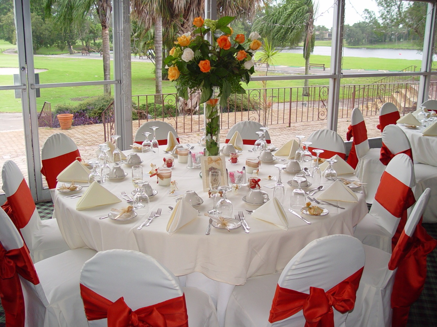 Room decor rental hire co ordination made easy for Wedding reception decoration hire